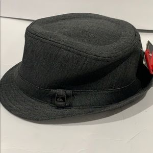 Quicksilver hat. New with tags size large/x large